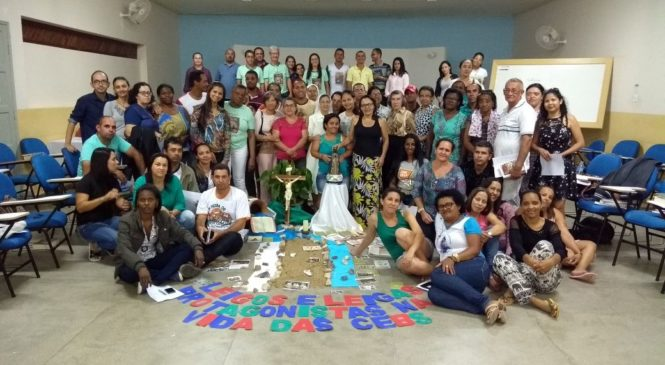 Encontro diocesano das CEBs Diocese de Caetité – Bahia.  LEIGOS E LEIGAS PROTAGONISTAS DA VIDA NAS CEBs