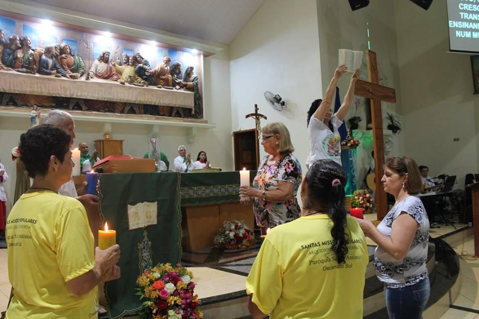 Ícones do Intereclesial no Decanato Sul Londrina. A visita dos Ícones promove   reflexão e alegria.