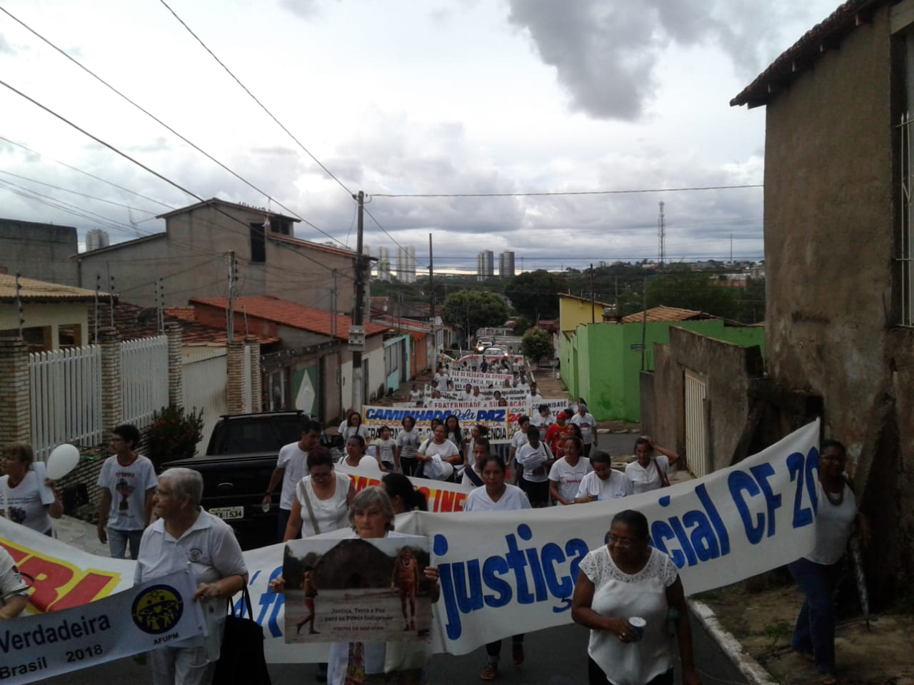 Comunidades de Cuiabá (MT) fazem Caminhada pela Paz