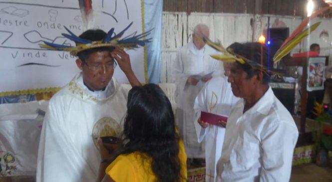 Primeiro padre do povo baniwa é ordenado na diocese de São Gabriel da Cachoeira, no Amazonas