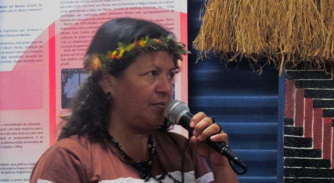 """Marcivana Sateré: """"mesmo vestidos, na cidade, com curso superior, somos índios""""."""