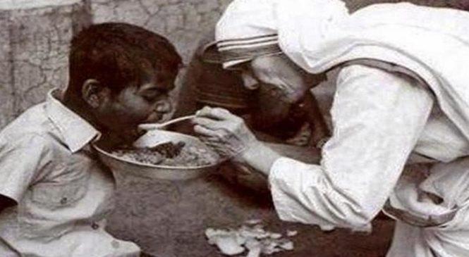 """""""Eu vos dou um novo mandamento: amai-vos uns aos outros"""" 5º Domingo da Páscoa – Quininha Fernandes Pinto"""
