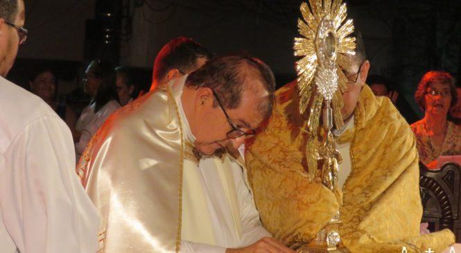 """""""Ser uma Igreja que permanece junto ao seu povo, que necessita se reconciliar, participar da Eucaristia e ser ungido"""", afirma Dom Sérgio Castriani."""