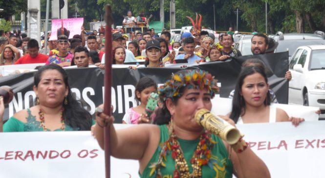 """Organizações Indígenas em """"Luta pela Existência e Vida Plena"""", na IV marcha do estado do Amazonas"""