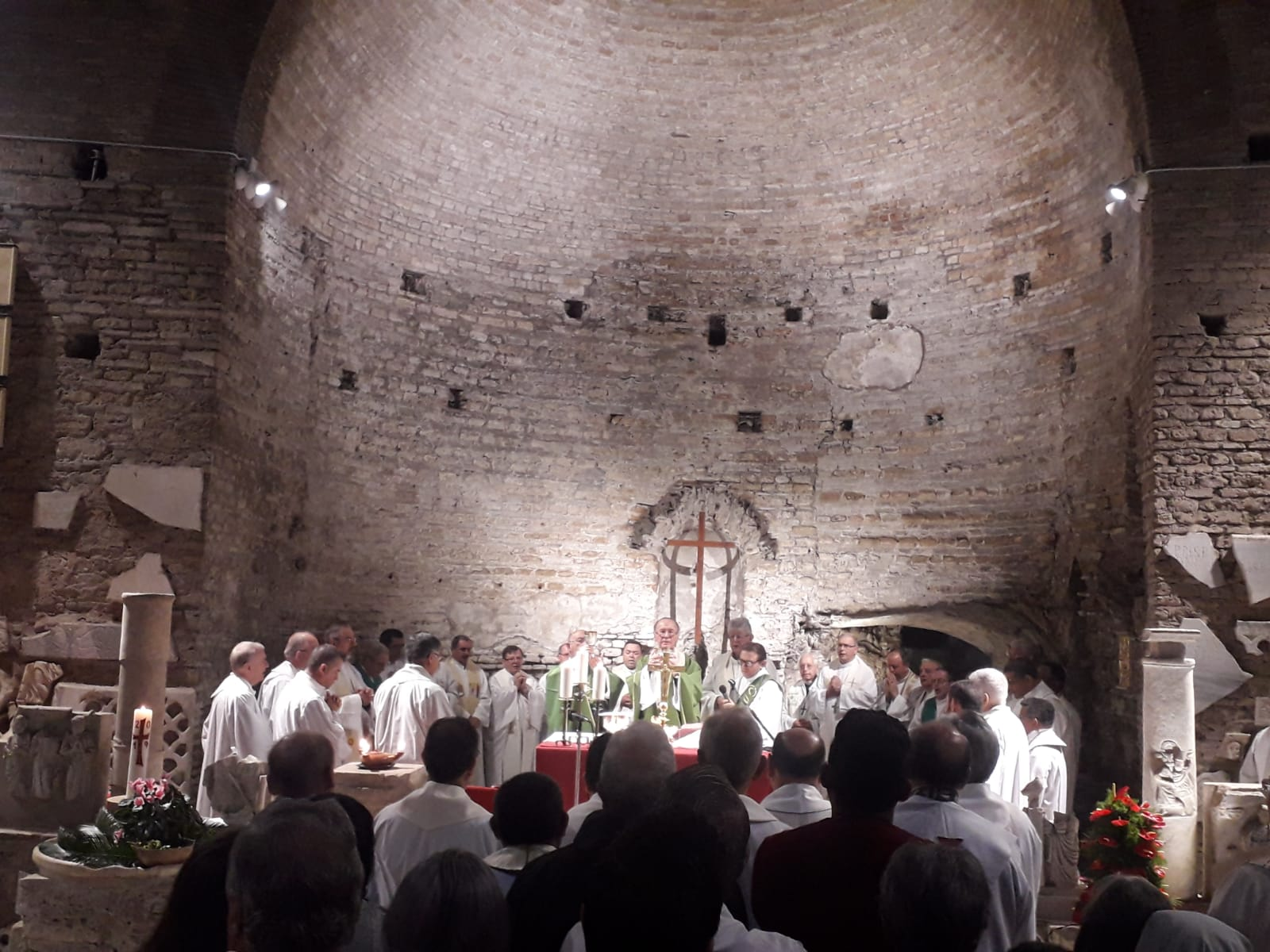 Pacto das Catacumbas: padre pede graça e sabedoria para abrir olhos, mente e coração
