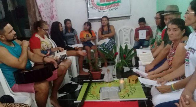 Círculo Bíblico sobre Sínodo: leitura, cantos e partilha na Comunidade Santa Luzia, em Ananindeua (PA)