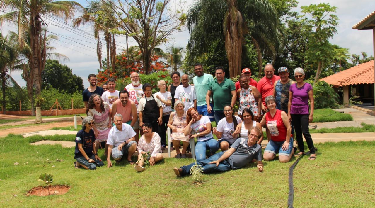 Somos um povo que constrói e vive a esperança, somos povo pascal. CARTA DAS COMUNIDADES ECLESIAIS DE BASE DO ESTADO DE SÃO PAULO