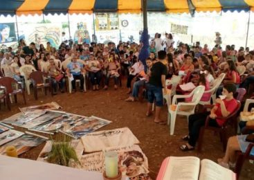 """As CEBs e as """"Comunidades Missionárias"""""""