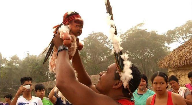 Entre o povo índigena. 15º Intereclesial das CEBs do Brasil  em terras Bororo.