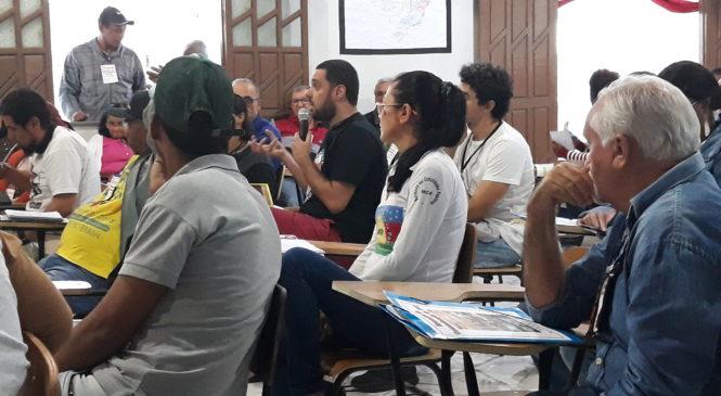 Comunicadores populares partilham experiências em Feira de Santana (BA); CEBs participam